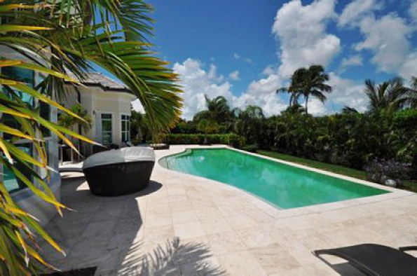 Bahamas Luxury House